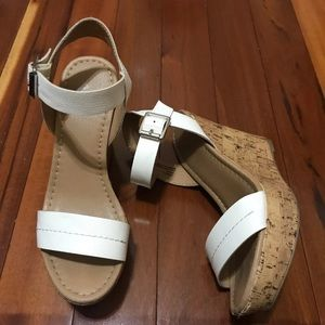 Report white strap wedges